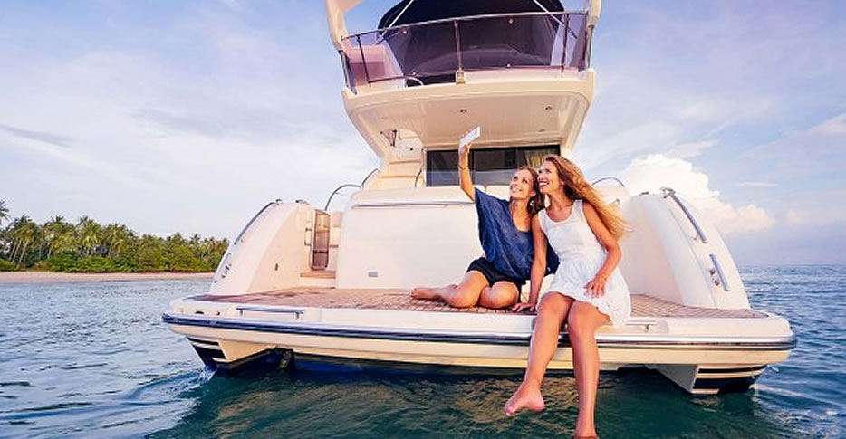Boating holidays in Marbella and Costa del Sol